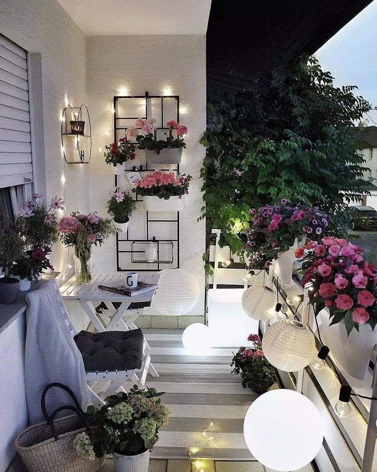 Ideas for decorating the terrace of an apartment n.24