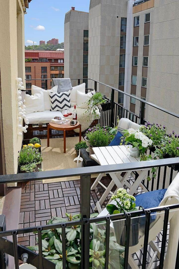 Ideas for decorating the terrace of an apartment n.26