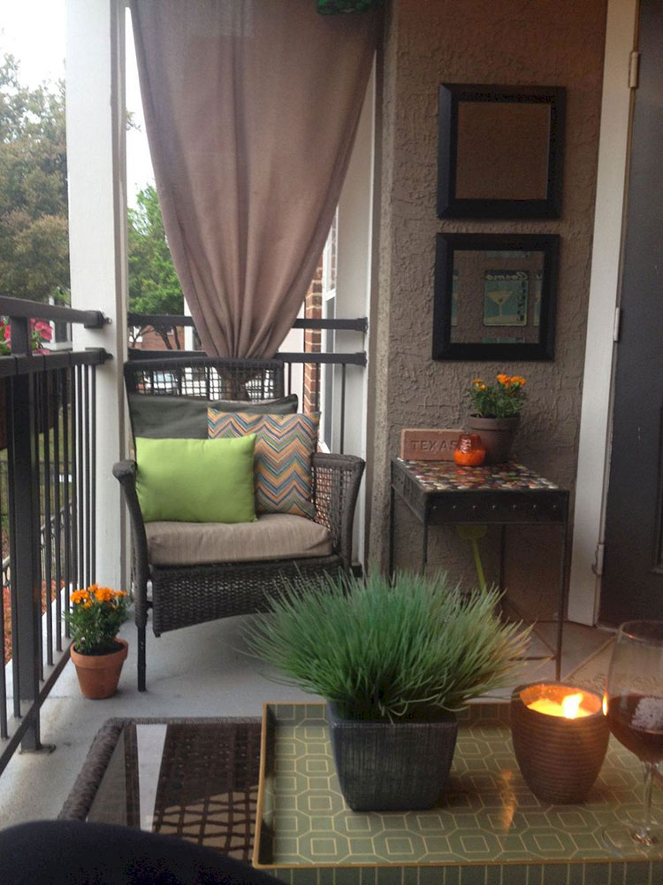 Ideas for decorating the terrace of an apartment n.18