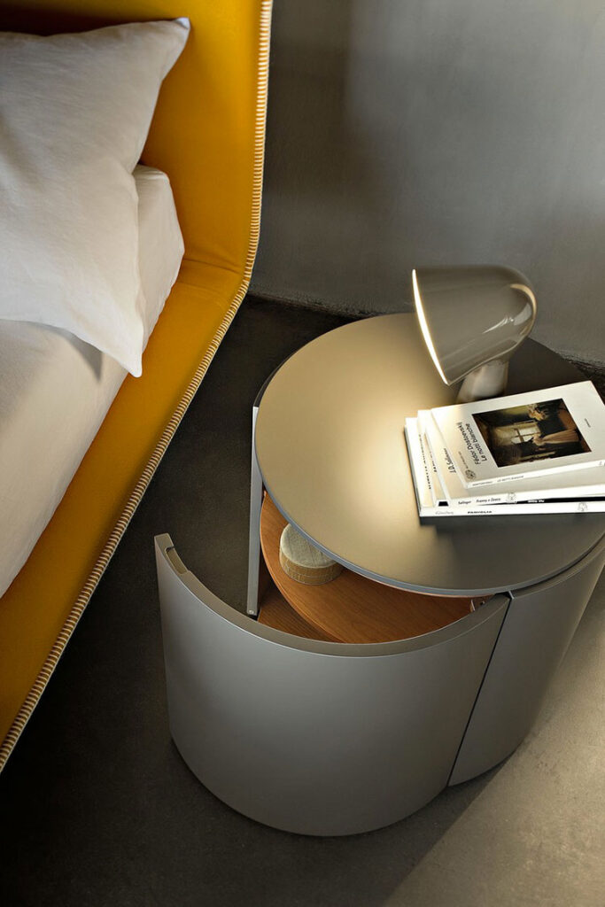 Round bedside table model with a modern design n.05