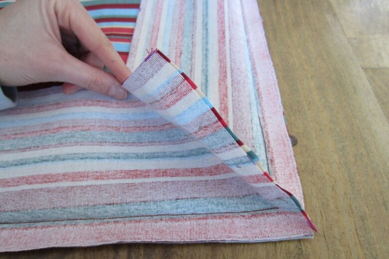 do-it-yourself-bench-cushion (5)