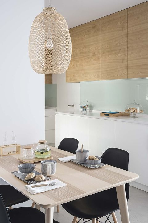 kitchen with office in white and wood, after the reform