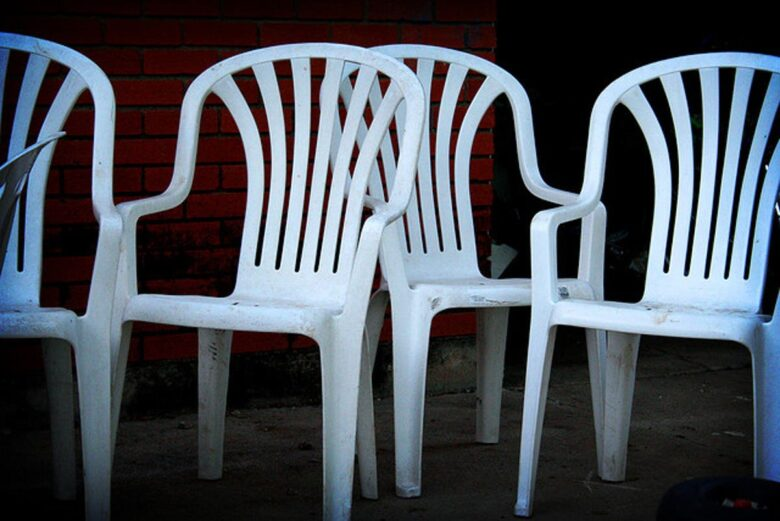 how-to-clean-polypropylene-chairs (8)