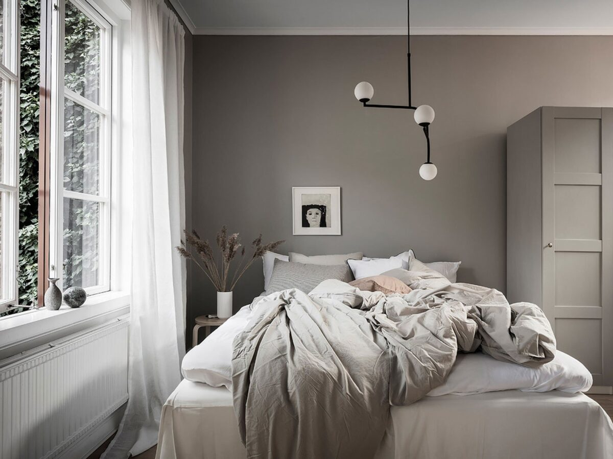 gray-scandinavian-bedroom-