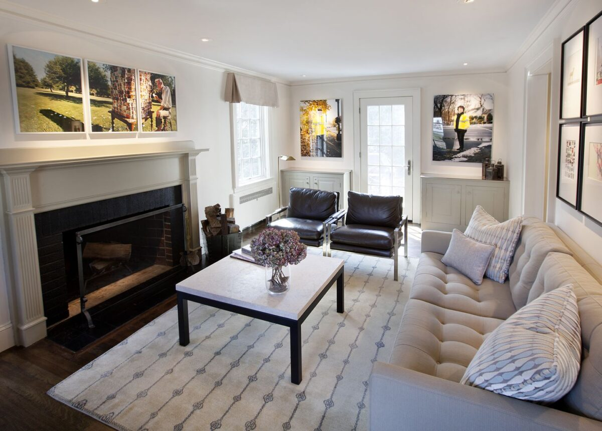 living-room-with-cream-colored-walls