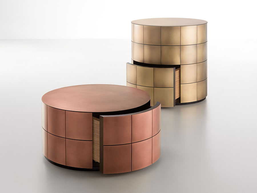 Round bedside table model with a modern design n.01