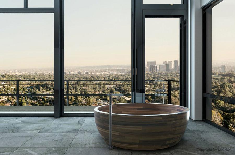 Round wooden free-standing bathtub n.01