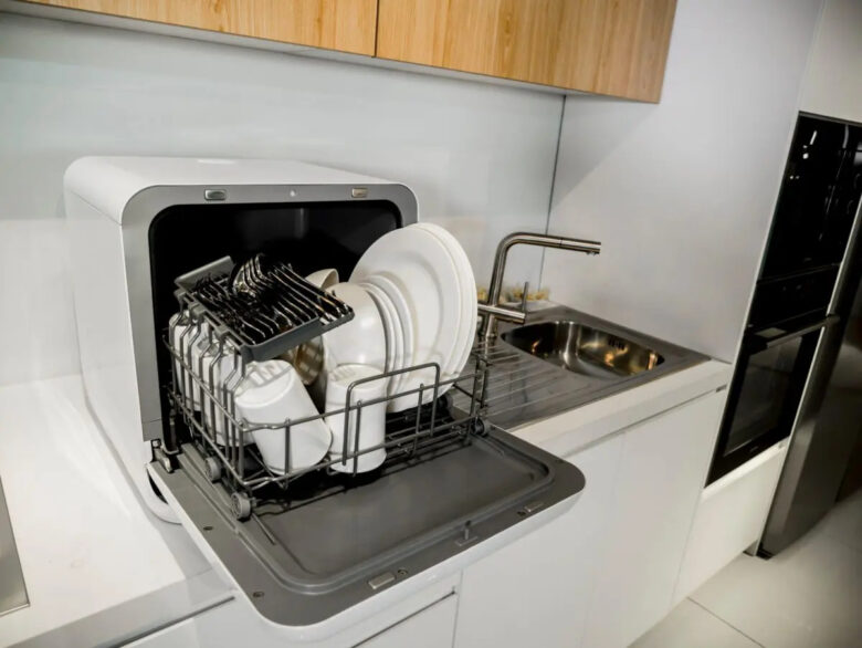 mini-dishwasher-how-to-choose-cover-3