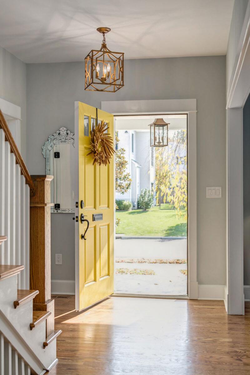 elegant-colors-entrance