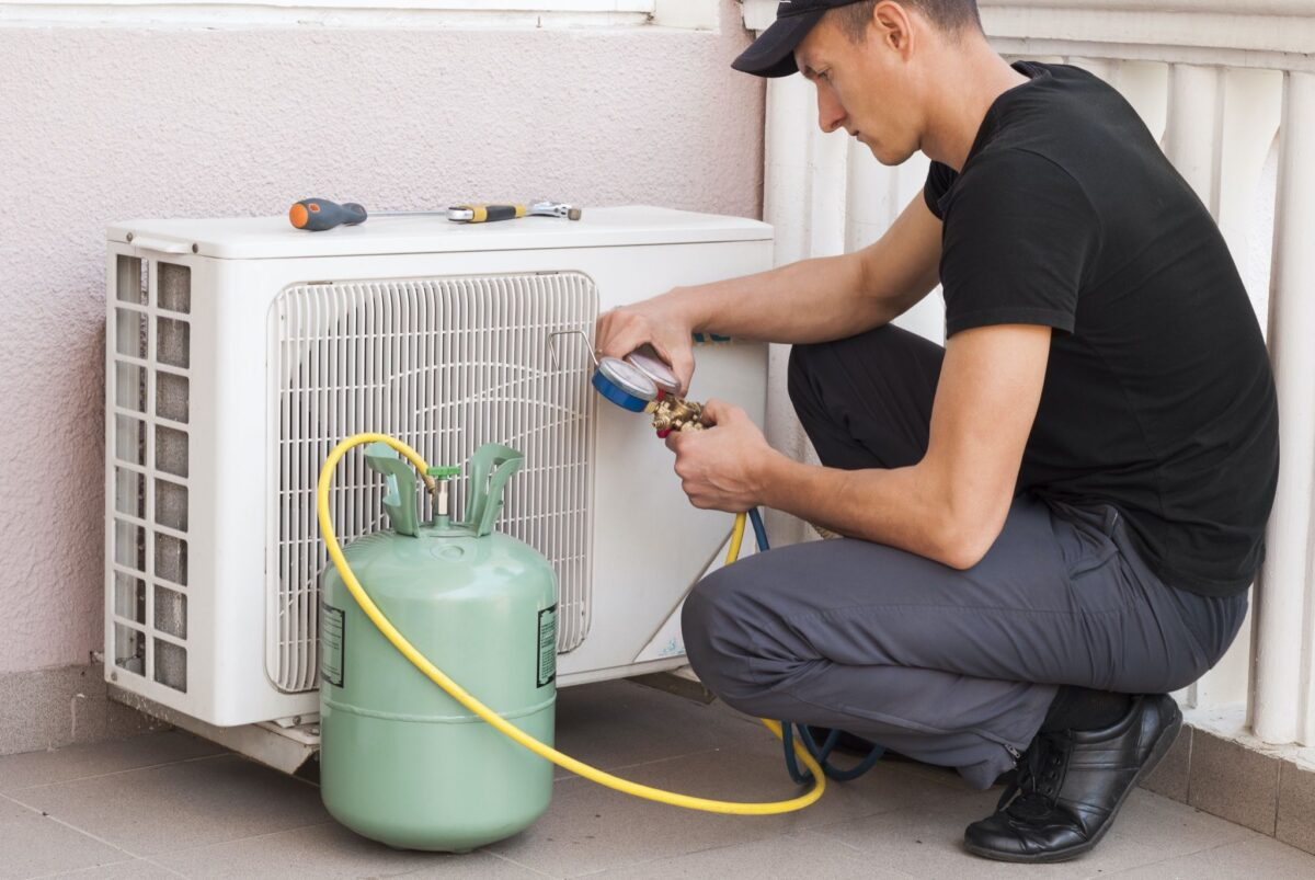 air conditioner-maintenance-how-to-do-and-when-14