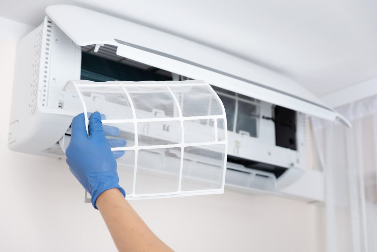 air conditioner-maintenance-how-to-do-and-when-1