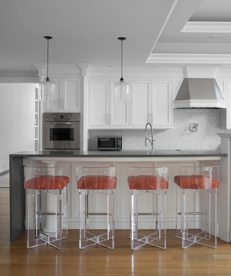 furniture-plexiglas-stool-1