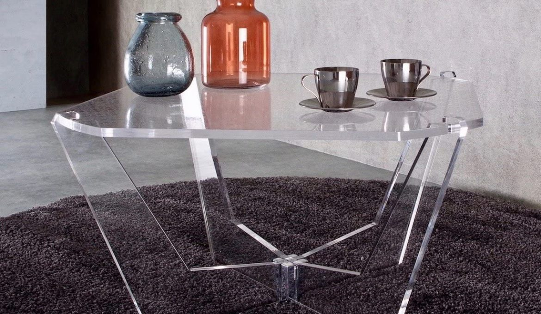 furniture-plexiglas-tables