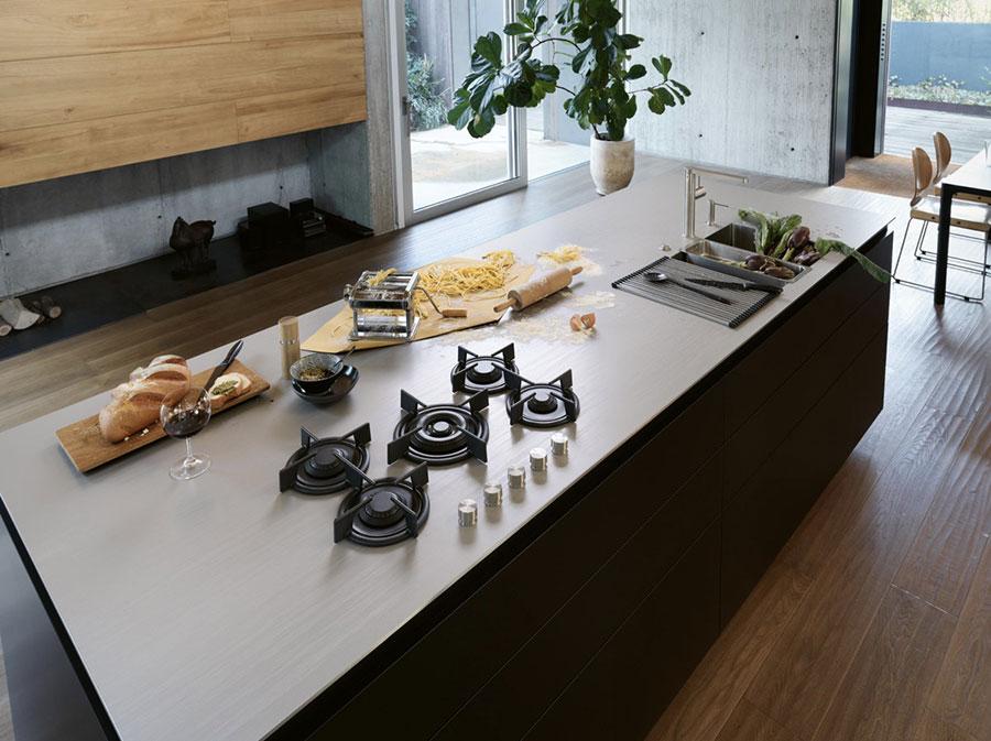 Beige quartz kitchen top