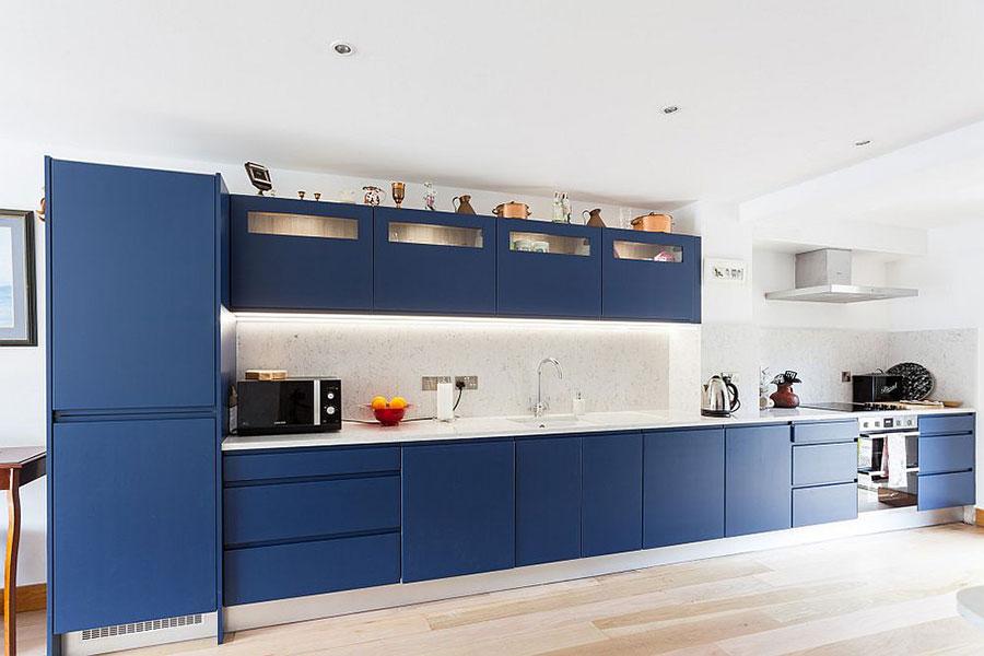 Cobalt blue kitchen ideas n.02