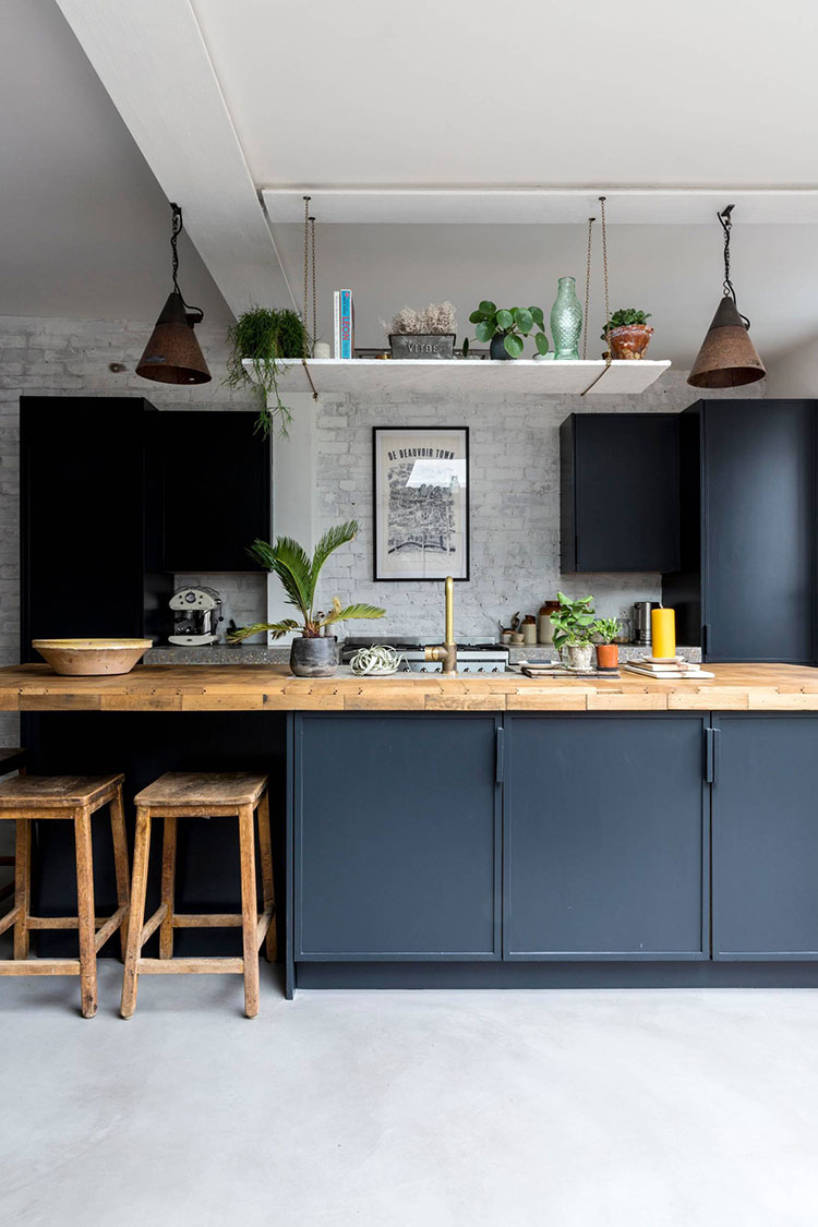 Blue and wood kitchen ideas n.01