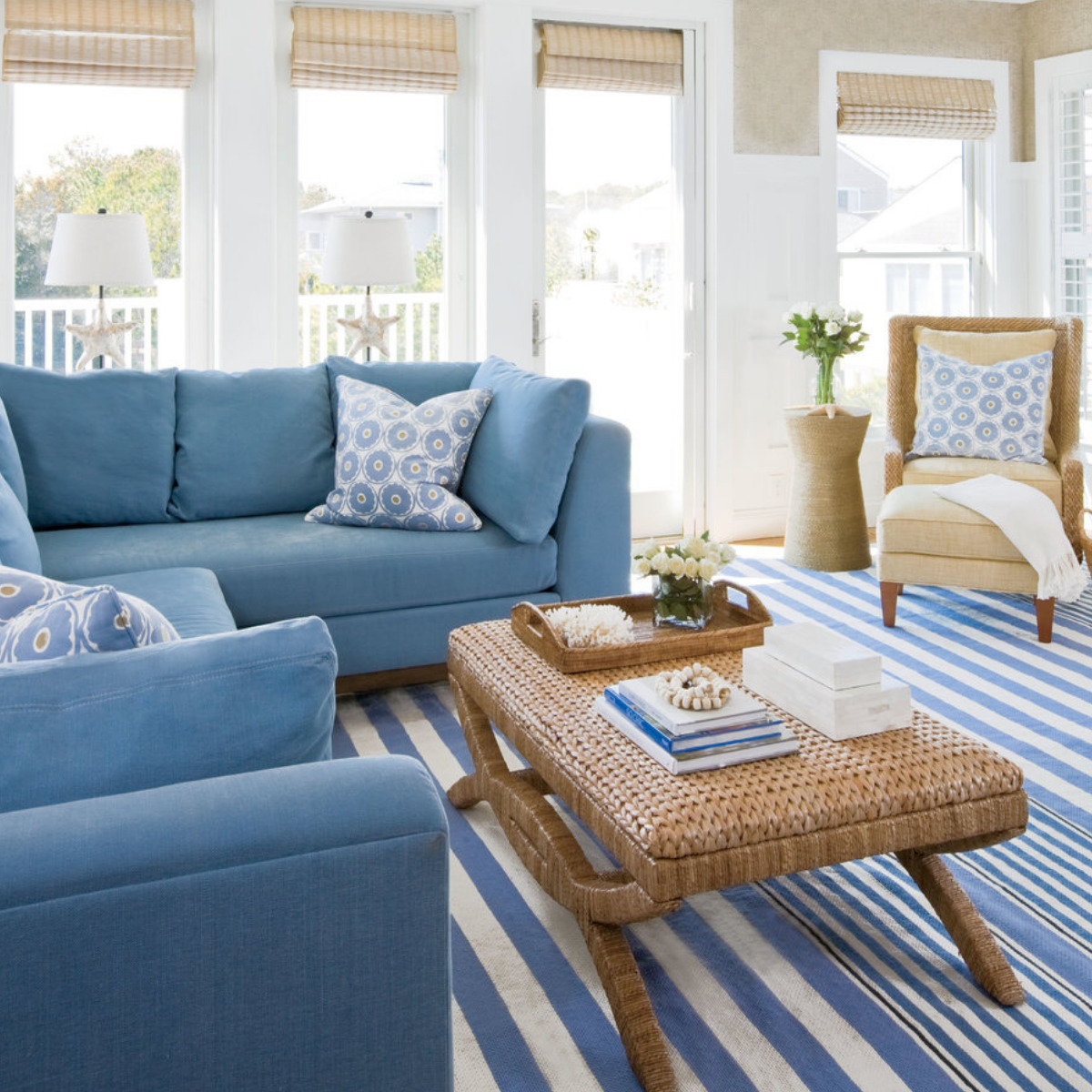 what-must-never-be-missing-in-a-coastal-style-house-29