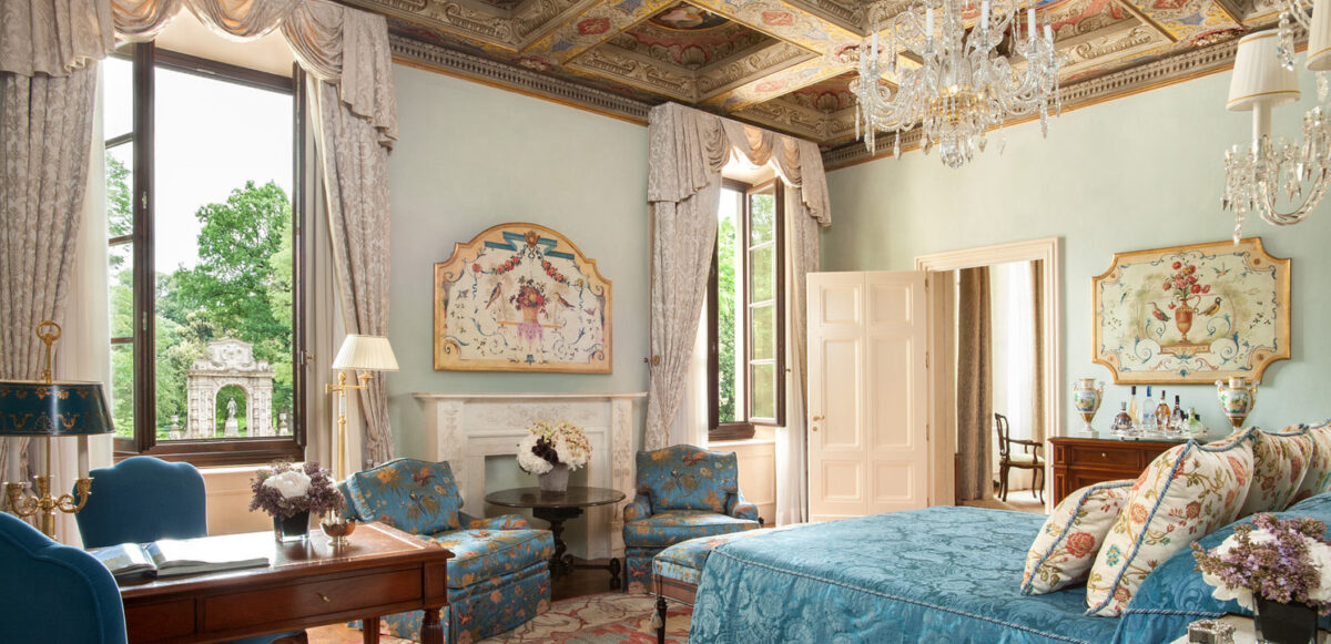 bedroom-florentine-style-furnishing-accessories