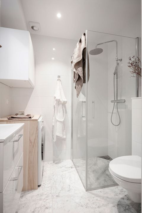 nordic style bathroom in white