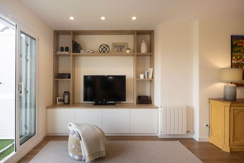 Nordic style tv cabinet in white and wood