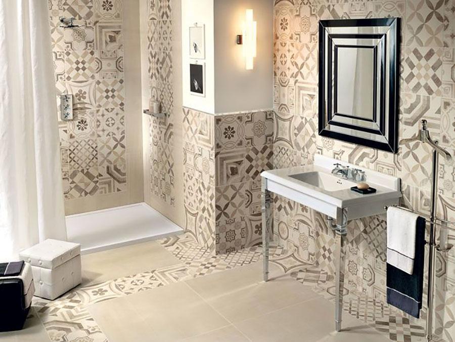 Ideas for decorating a vintage bathroom n.13