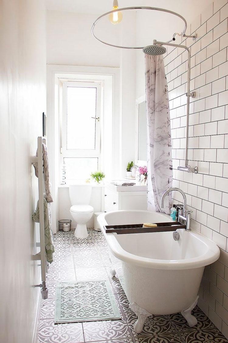 Ideas for decorating a vintage bathroom n.16