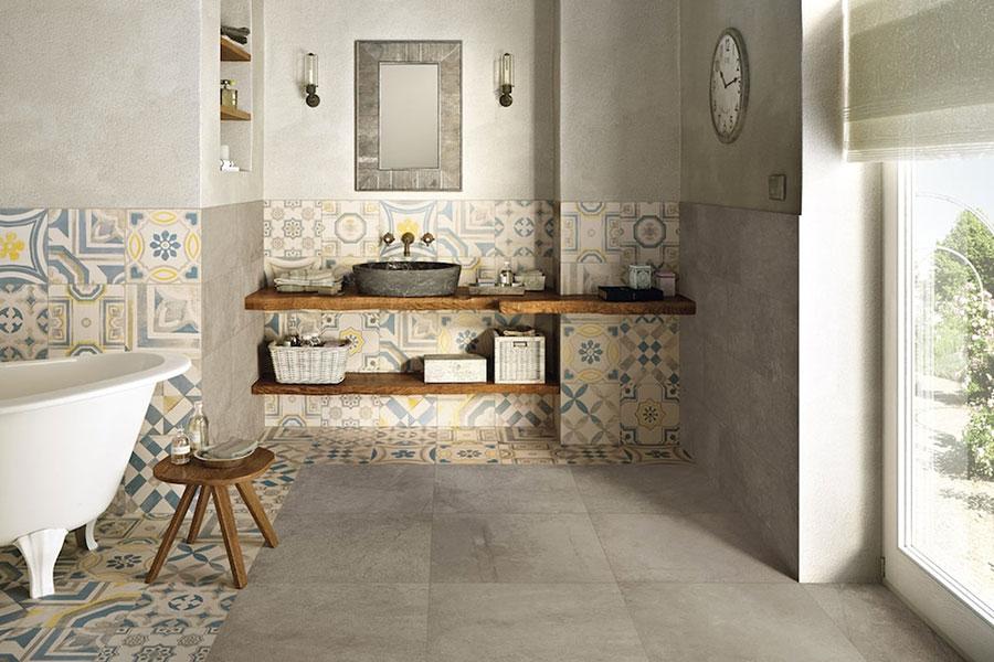 Ideas for decorating a vintage bathroom n.12