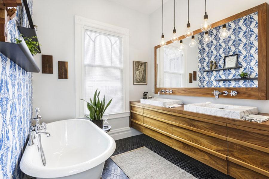 Ideas for decorating a vintage bathroom n.04