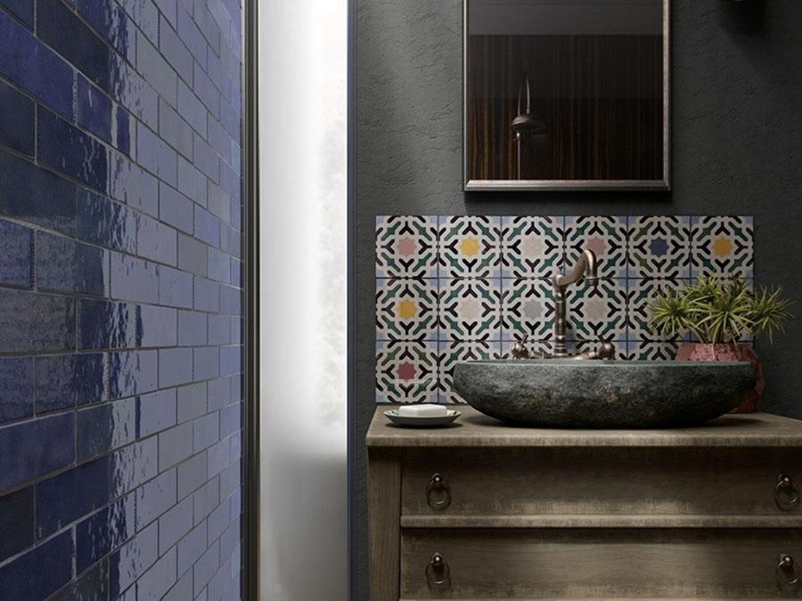 Ideas for decorating a vintage bathroom n.11