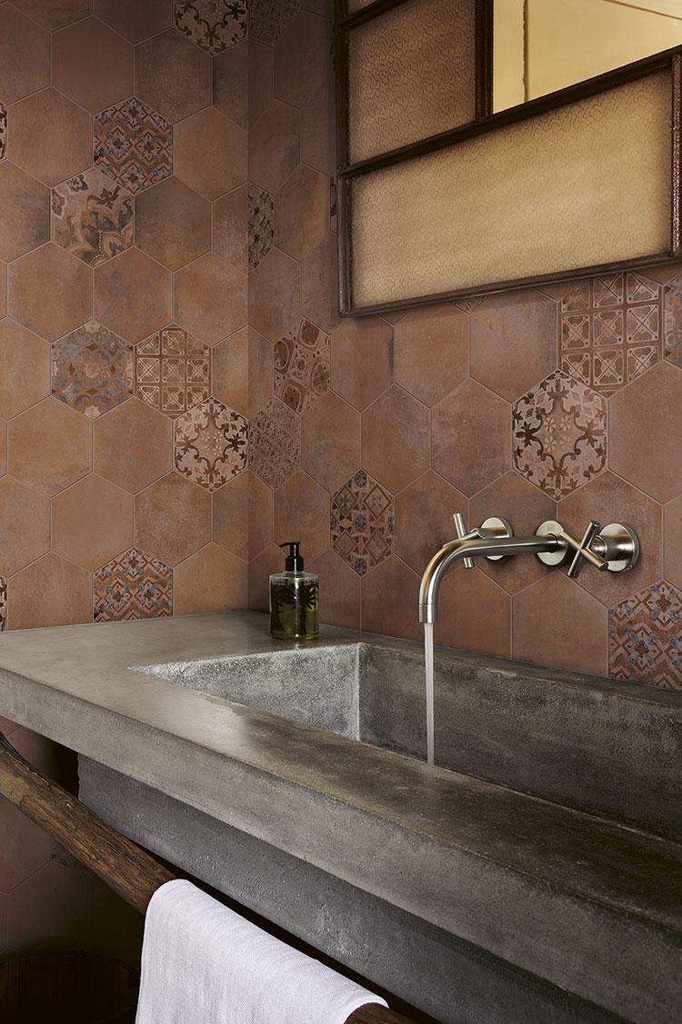 Ideas for decorating a vintage bathroom n.09