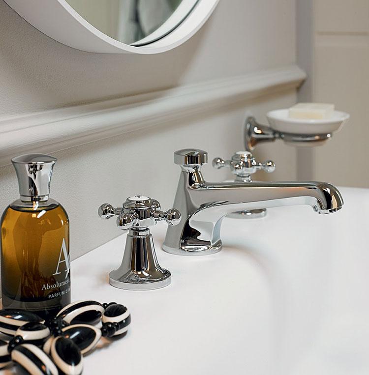 Vintage bathroom faucet model n.04