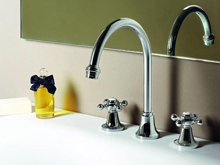 Vintage bathroom faucet model n.05