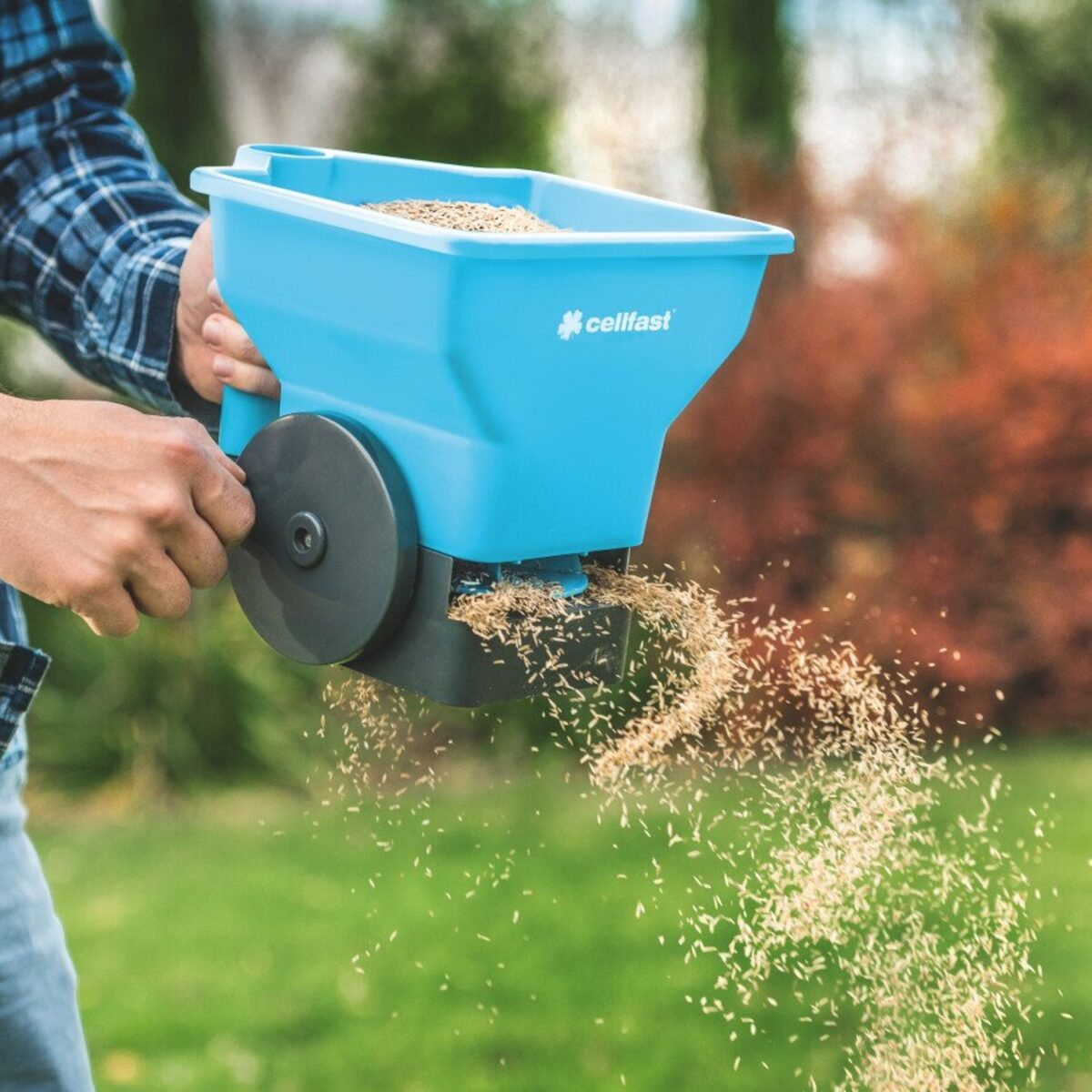 how-to-choose-the-fertilizer-spreader-6