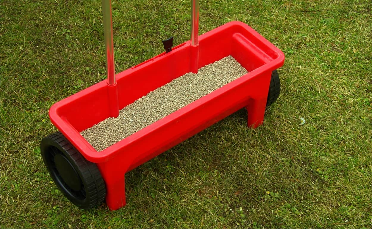 how-to-choose-the-fertilizer-spreader-18