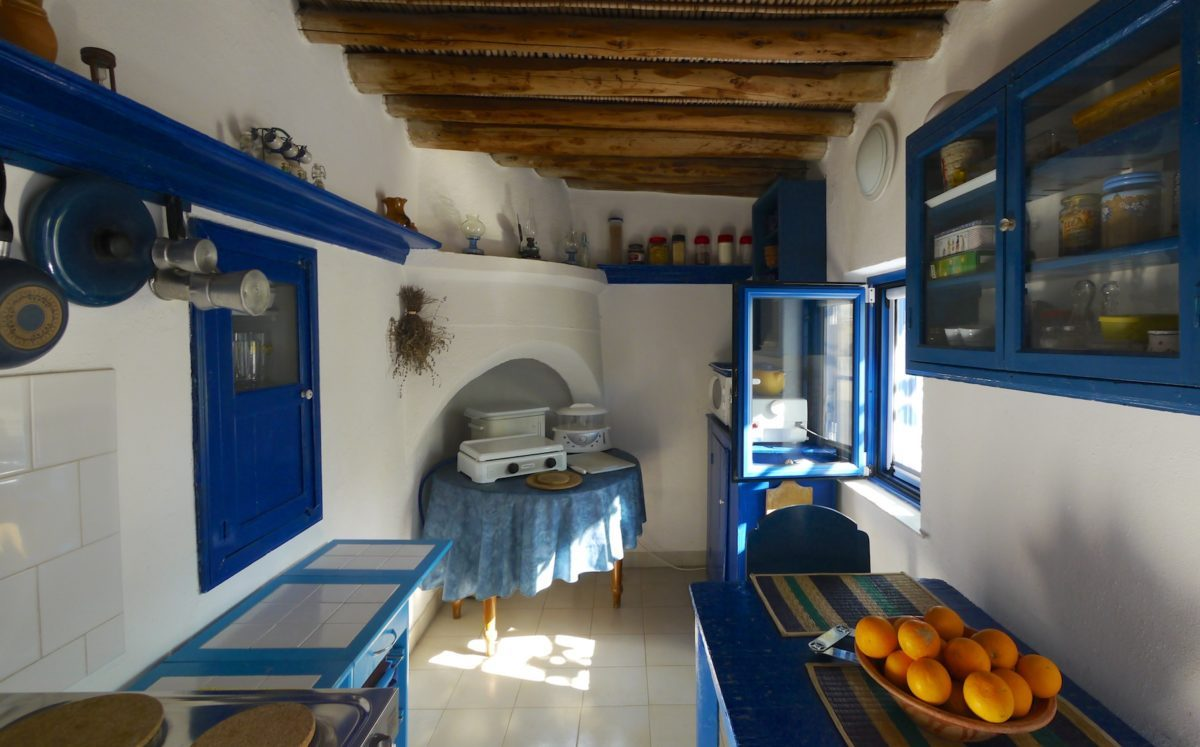 decorating-kitchen-greek-style-18