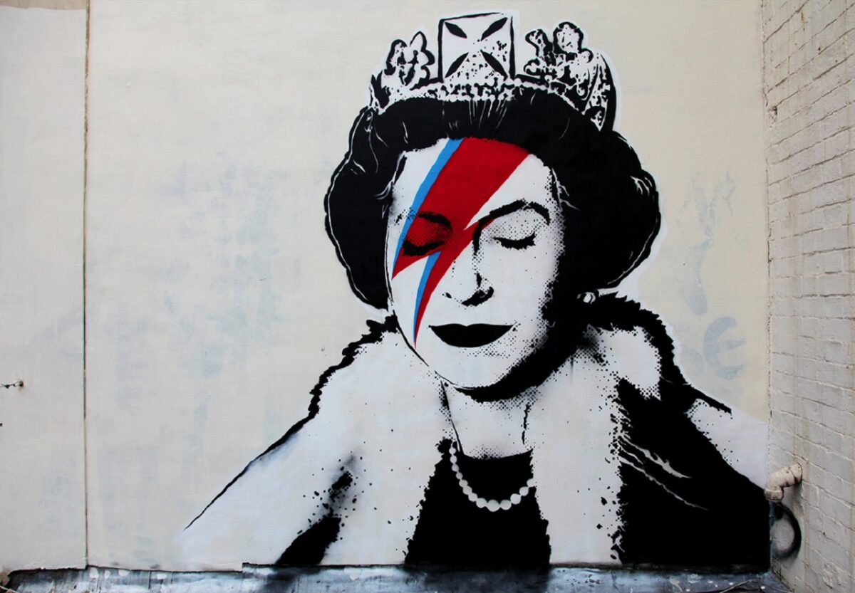 Decorate-home-in-Bansky-style-murals-in-all-stencil06