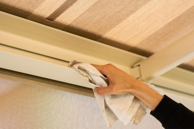 how-to-clean-awnings (7)
